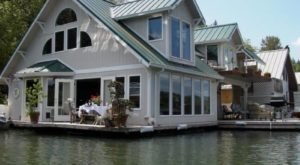 These Floating Homes Near Portland Are The Ultimate Place To Spend The Night
