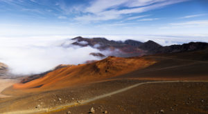 The Hiking Trail Hiding In Hawaii That Will Transport You To Another World