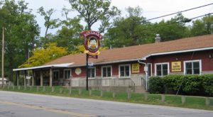 Everyone Goes Nuts For The Hamburgers At This Nostalgic Eatery In Michigan