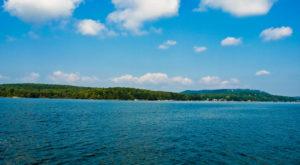The Sapphire Lake Near Washington DC That's Devastatingly Gorgeous