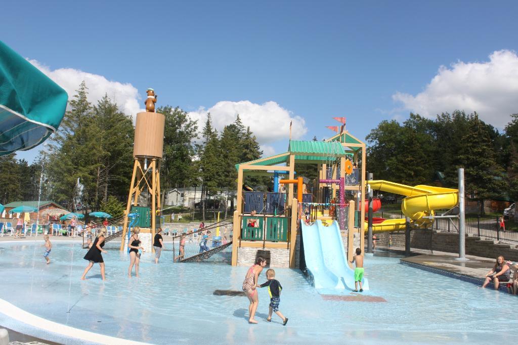 Yogi Bear S Jellystone Park Is Best Hidden Waterpark Near