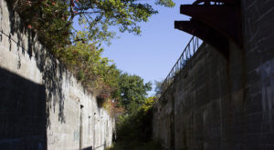 The Remnants Of This Abandoned Fortress In Rhode Island Are Hauntingly Beautiful