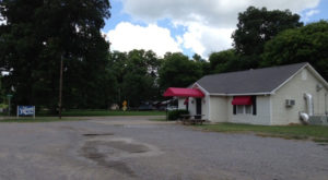 This Remote Restaurant Hiding In Mississippi Is The Definition Of A Hidden Gem