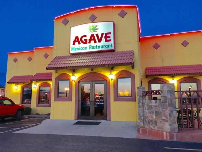Taco trail in southern illinois you must take before you die for Agave mexican cuisine