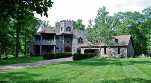 Spend The Night In Illinois' Most Majestic Castle For An Unforgettable Experience