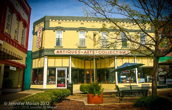 5 Best Antique Stores To Visit This Weekend In Tennessee