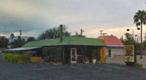The Little Hole-In-The-Wall Restaurant That Serves The Best Pizza In Arizona