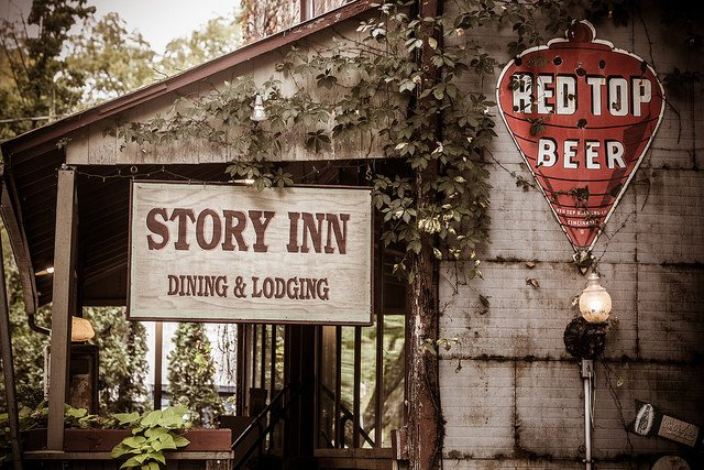 the story inn is the most haunted restaurant in indiana. Black Bedroom Furniture Sets. Home Design Ideas