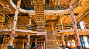 13 Staggering Photos Of An Abandoned American Brewing Company