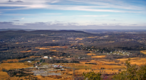 The Hiking Trail Hiding In New Jersey That Will Transport You To Another World
