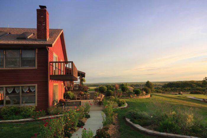 Cedar Crest Lodge, Pleasanton, Kansas