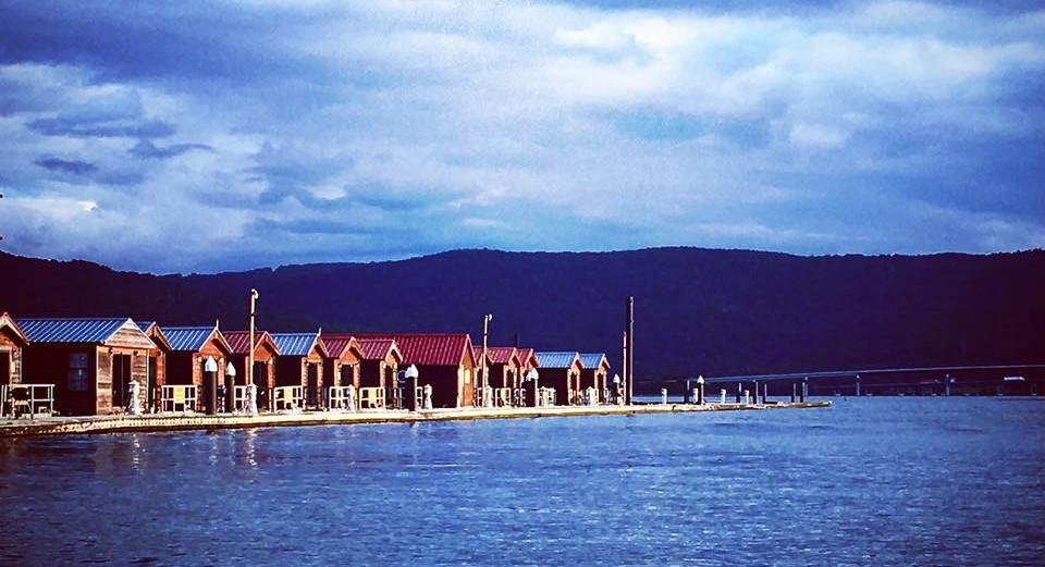 Hales Bar Marina And Resort Have The Best Floating Cabins Near Nashville