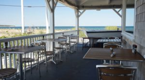 7 Amazing Restaurants Along The Rhode Island Coast You Must Try Before You Die