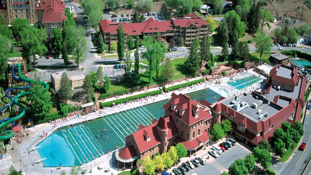 The World S Largest Hot Springs Pool Is Right Here In