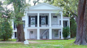 Travel Back In Time With A Visit To This Historic Mansion In Alabama