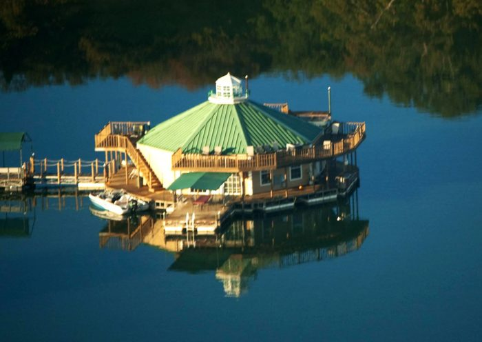 These Floating Cabins In Oklahoma Are The Ultimate Place ...
