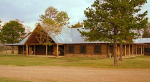 Spend The Night At This Guest Ranch In Oklahoma For An Unforgettable Country Retreat