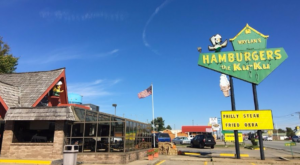 Everyone Goes Nuts For These Burgers At This Route 66 Restaurant In Oklahoma
