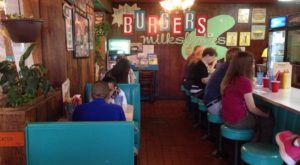 Everyone Goes Nuts For The Hamburgers At This Nostalgic Eatery In Florida