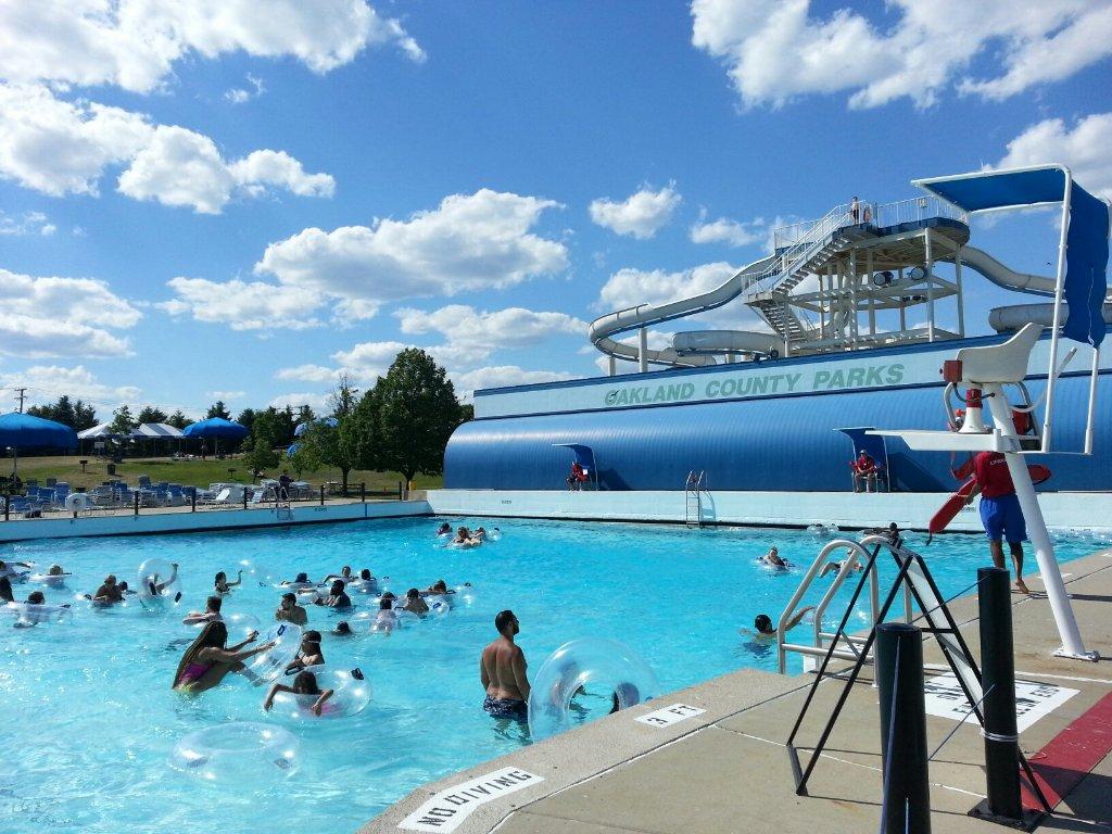 red oaks waterpark is best water park near detroit