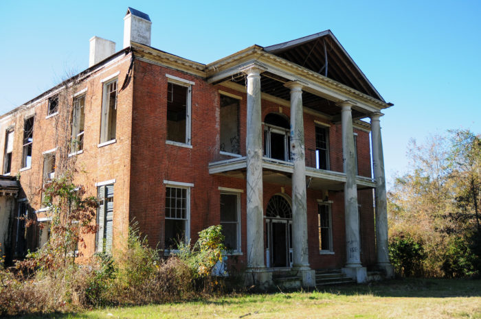 7 historic plantations in mississippi that are being for Home builders in mississippi