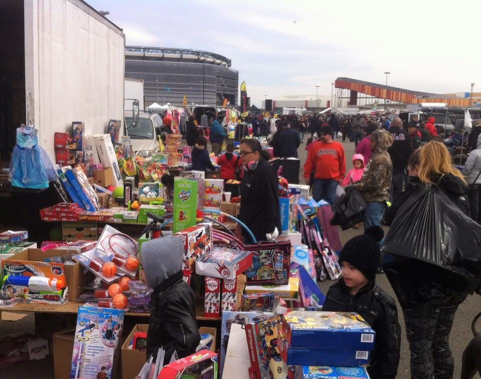 Flea Market Miami >> You Could Easily Spend All Weekend At The Meadowlands Flea ...