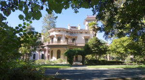 Not Many People Realize This Incredible Mansion Is Hiding In Northern California