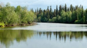 This Gorgeous River In Alaska Is Picture Perfect For A Relaxing Canoe Trip