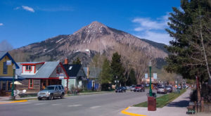 The Quintessential Colorado Ski Town That's Even Better In The Summertime