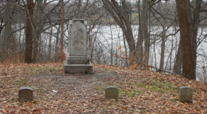 These 11 Haunted Cemeteries In Wisconsin Are Not For the Faint of Heart
