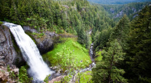This Enormous Waterfall Is One Of The Most Beautiful Hidden Gems In All Of Oregon