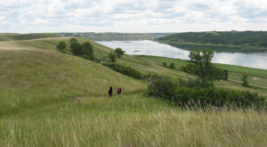 9 Hiking Spots In North Dakota That Are Completely Out Of This World