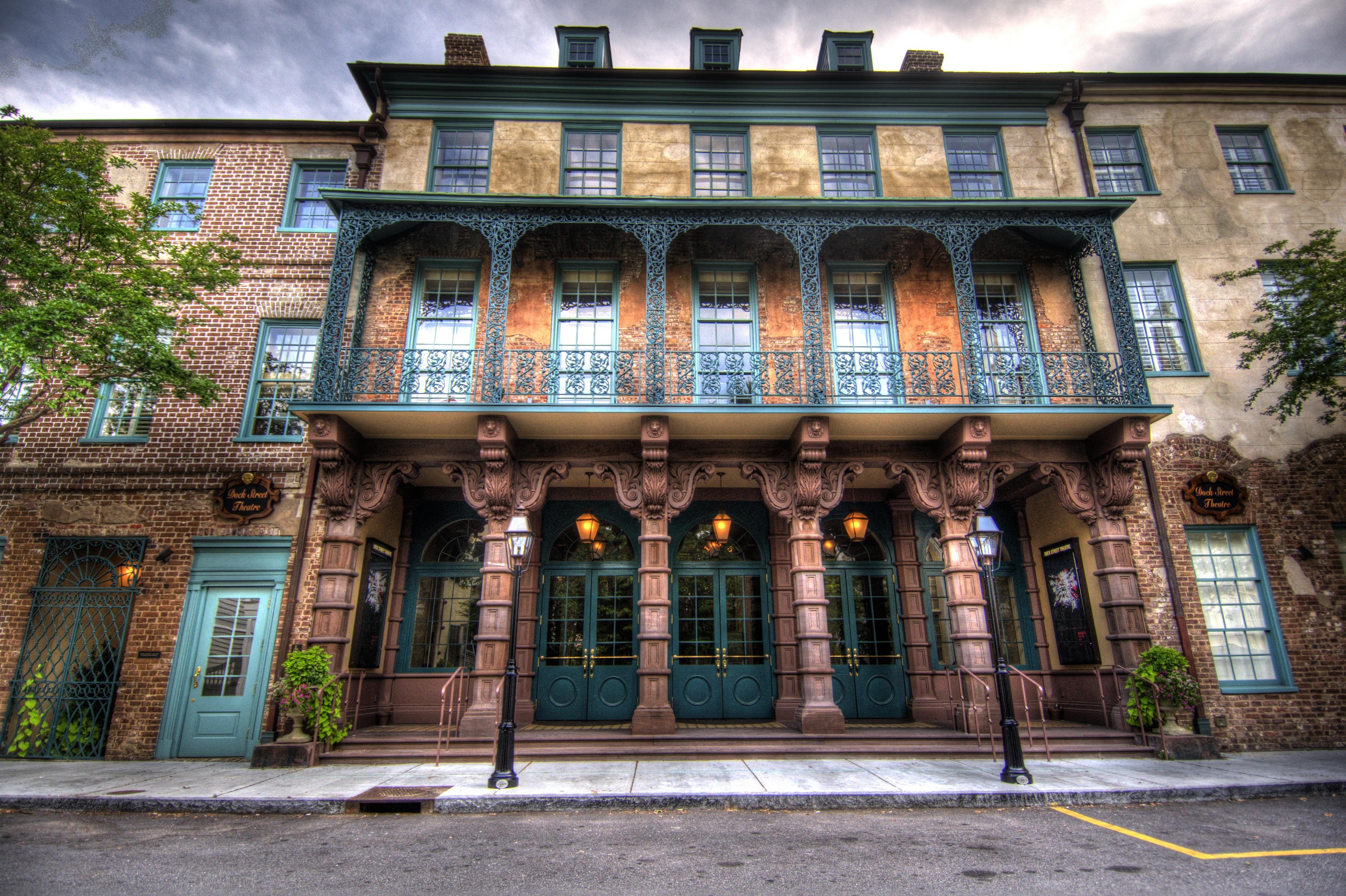 Dock street theatre in south carolina is haunted by the for Most haunted places in south carolina