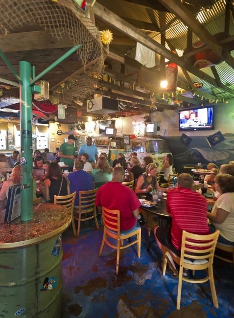 Wave Pizza Company Is The Best Tropical Themed Restaurant In Nebraska Extraordinary Long Island