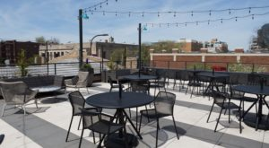 8 Illinois Restaurants With The Most Amazing Outdoor Patios You'll Love To Lounge On