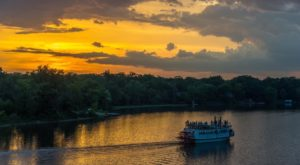 The Riverboat Cruise In Illinois You Never Knew Existed