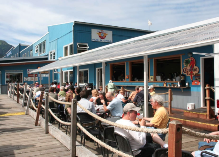 10 Alaska Restaurants With The Most Amazing Outdoor Patios Youll