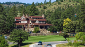 The South Dakota Lodge Surrounded By Nature You Must Visit This Summer