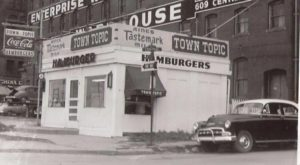 Everyone Goes Nuts For The Hamburgers At This Nostalgic Eatery In Missouri