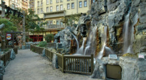 Most People Don't Know About This Nevada Hotel And Casino's Living Indoor Park