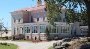 7 Great Places To Spend The Night In Kansas That Will Make Your Summer Awesome