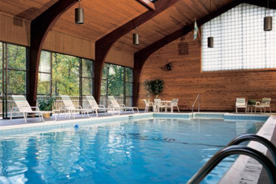 Best Little Known Getaway In Ohio Burr Oak Lodge