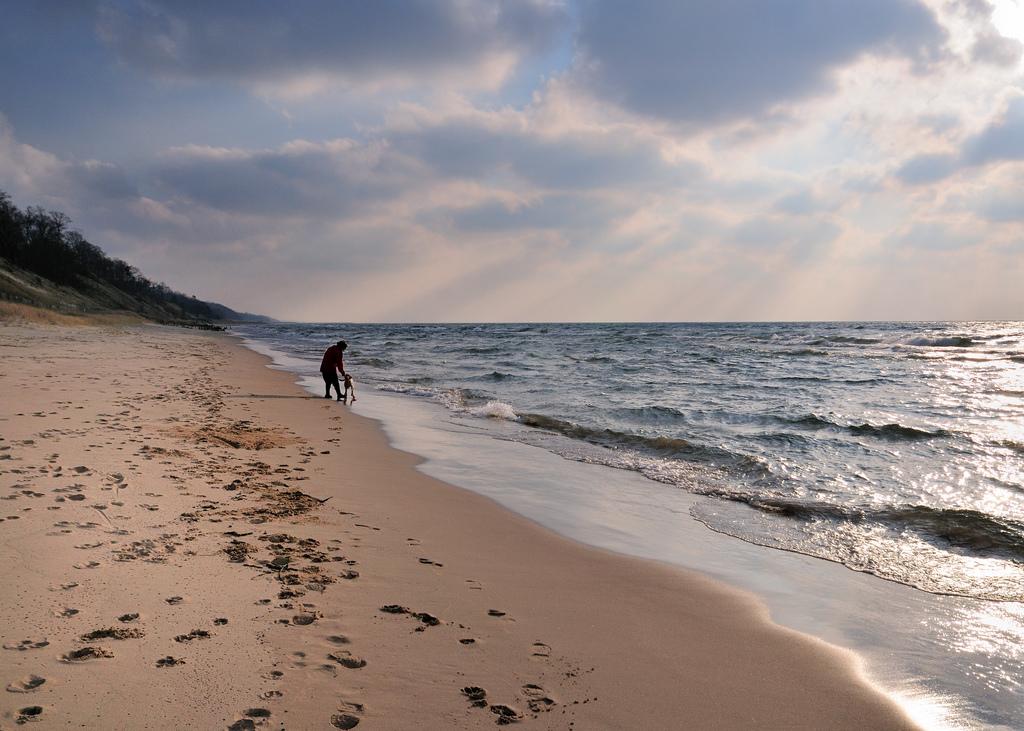 10 Lesser Known Beaches Near Detroit To Visit