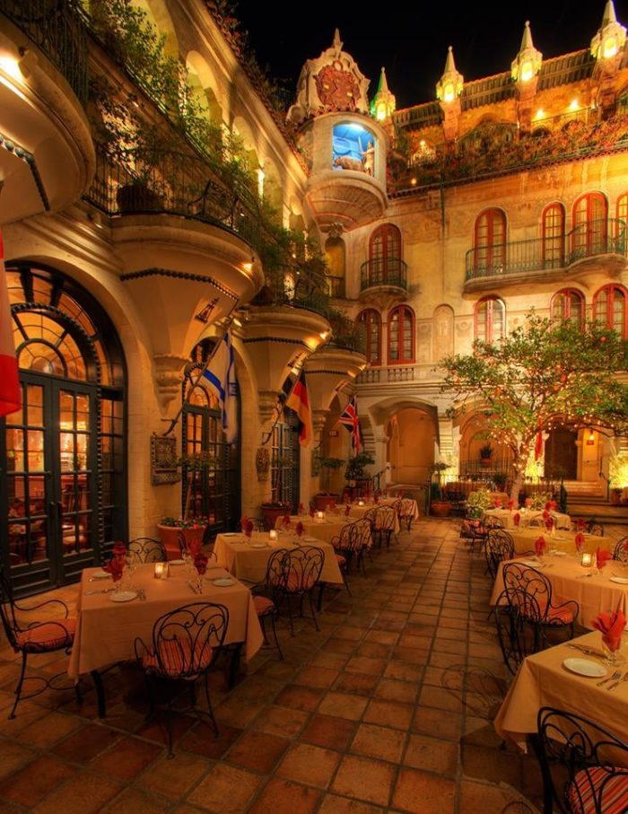 The Mission Inn Hotel And Spa Is A Castle