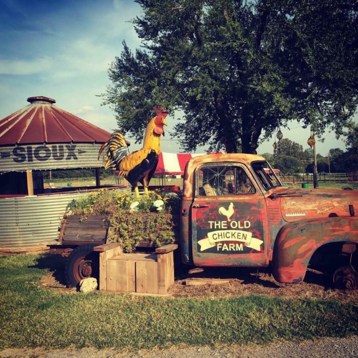 You Could Easily Spend All Weekend At This Enormous Oklahoma Flea Market