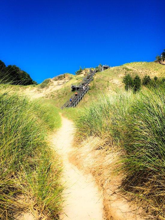 12 Most Wonderful Beaches On Lake Michigan