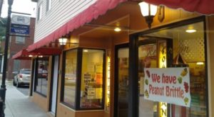 The Old-Fashioned Ice Cream & Candy Shop In Pittsburgh That Is To Die For