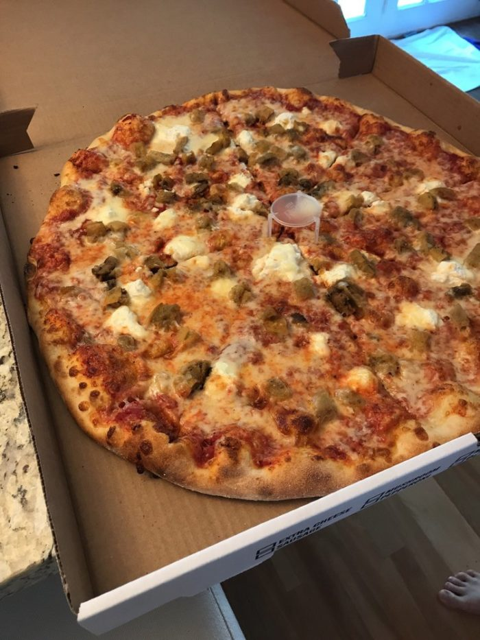 alley cat pizzeria serves the best pizza in new hampshire