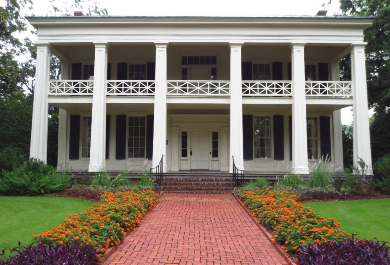 This 1800s plantation home in alabama will take you back for 1800s plantation homes