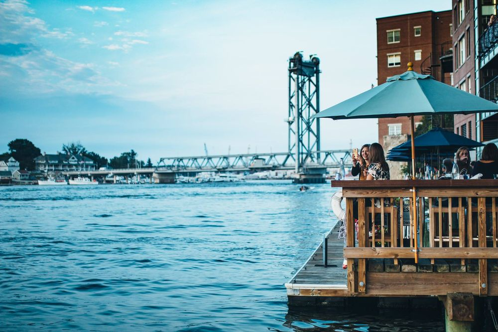 These 9 New Hampshire Restaurants Have Amazing Waterfront